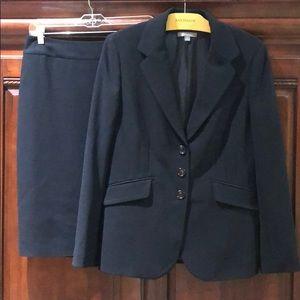 Ann Taylor Black Blazer & Pencil Skirt ***Older